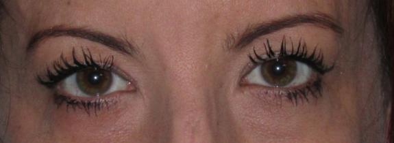 Charlotte Tilbury Legendary Lashes Mascara Swatch